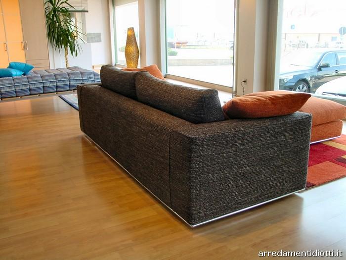 Soggiorno con divano marrone la scelta giusta variata - Soggiorno con divano ...