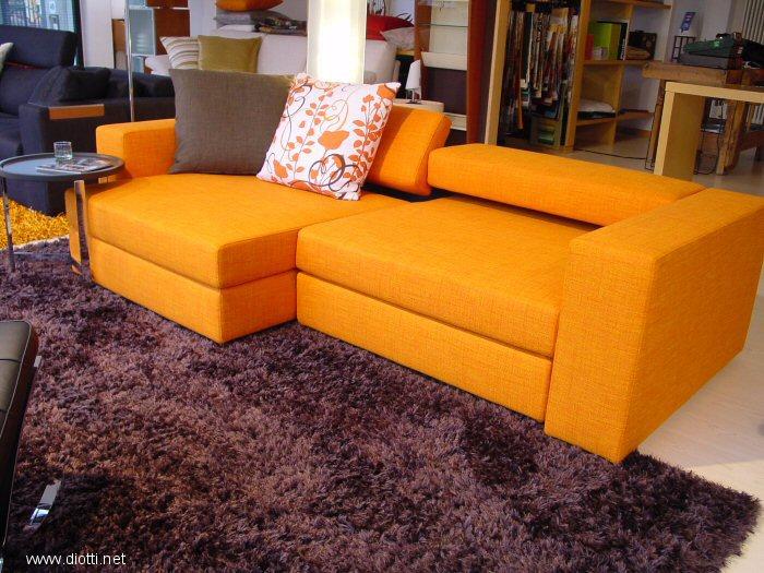 Forum mobili e colori zona giorno - Divano arancione ...