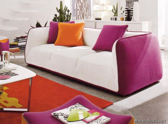 Forum mobili e colori zona giorno for Divano viola