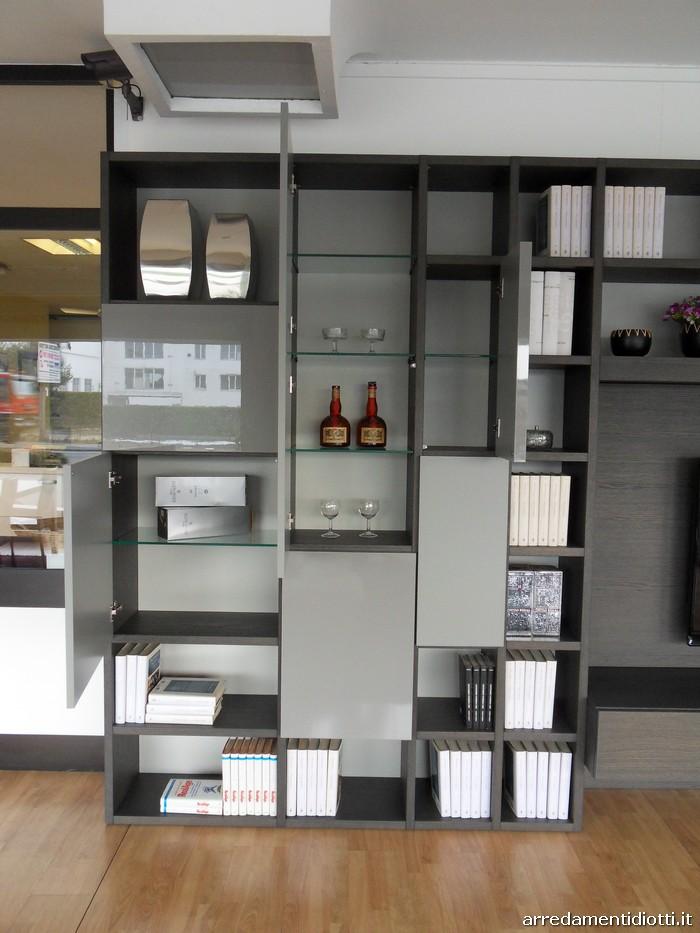 Libreria Modo con ante di diversi spessori - DIOTTI A&F ...