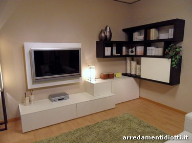 Soggiorno side system con mensole e porta tv diotti a f for Mobili soggiorno angolari moderni