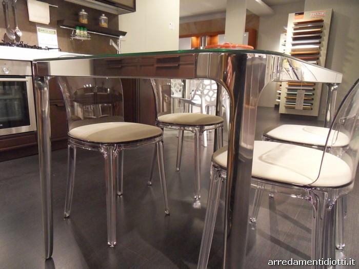 Tavolo cromo sedia plexiglas vanity diotti a f arredamenti for Sedie in plexiglass