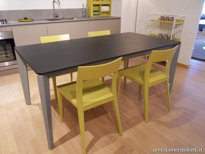 Tavolo Cucina E Sedie.Tavolo Cullen E Sedia Taira Diotti A F Italian Furniture And