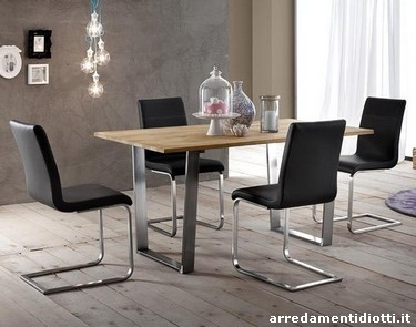 Sedie A Slitta Moderne.Sedia Con Seduta Imbottita Caratterizzata Dalla Base A Slitta A