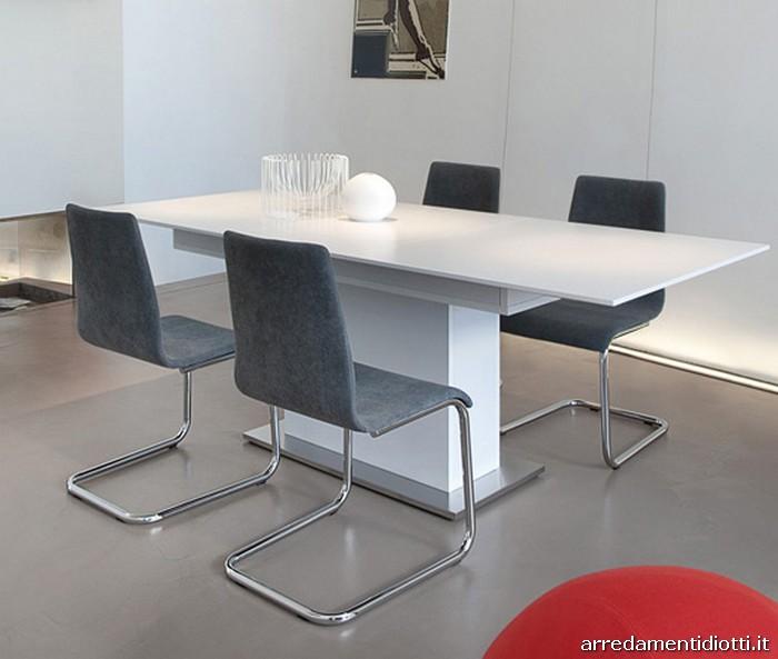 Sedie A Slitta Moderne.Sedia Imbottita In Tessuto O Ecopelle Con Struttura Intercambiabile