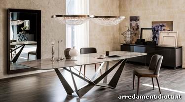 Tavolo base acciaio piano vetro legno o marmo skorpio for Tavolo legno piano marmo