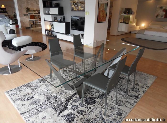 Tavolo base acciaio piano vetro legno o marmo skorpio - Mobili in cristallo ...
