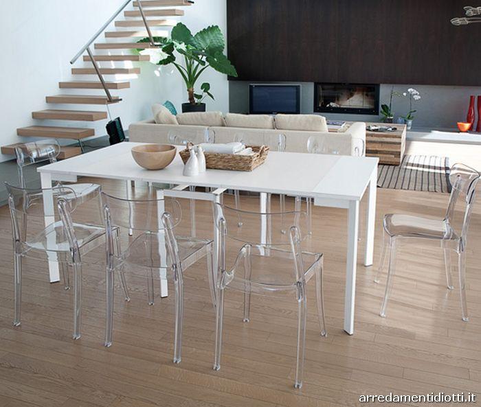 Sedia impilabile in policarbonato bicolore realizzata con - Tavolo policarbonato ...