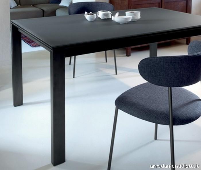 Tavolo di forma rettangolare con meccanismo di allunga - Meccanismo tavolo allungabile ...